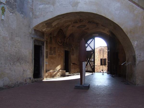 Palazzo Pretorio by theeyesoftheblind