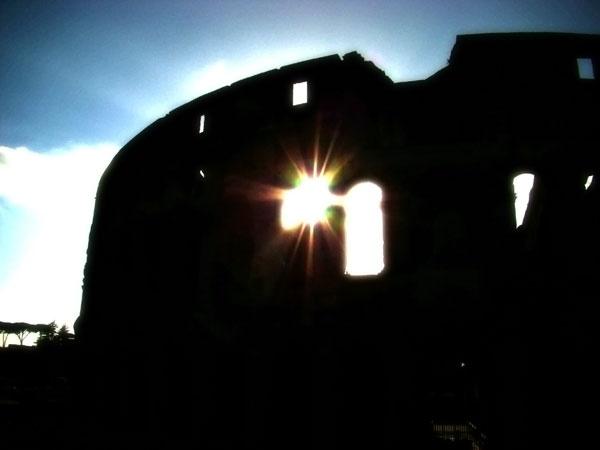 Colosseo chiaroscuro by jdanzola