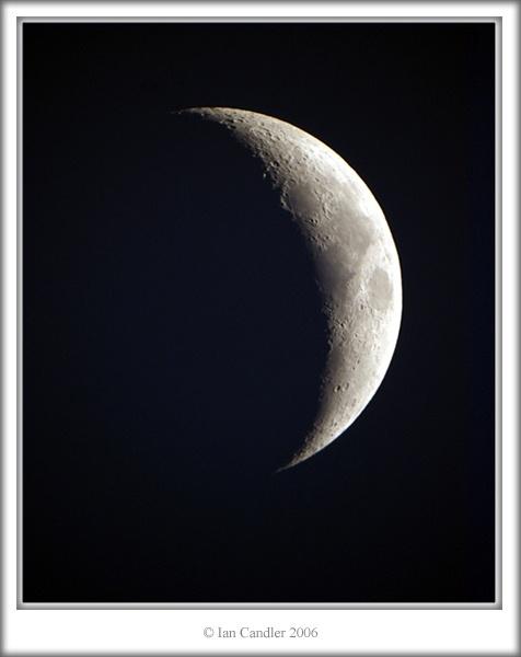 luna by magicaxeman