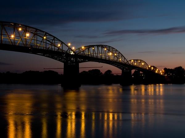Sunset lights by hgabi
