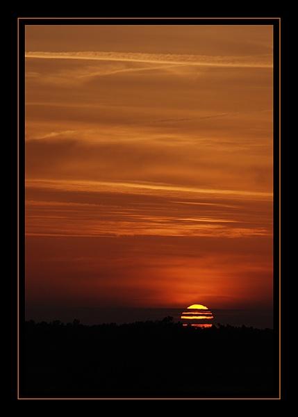 Orange sunset by hgabi