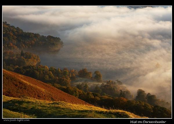 Mist on Derwentwater by martin.w
