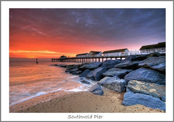 Southwold Pier by Gaz_H