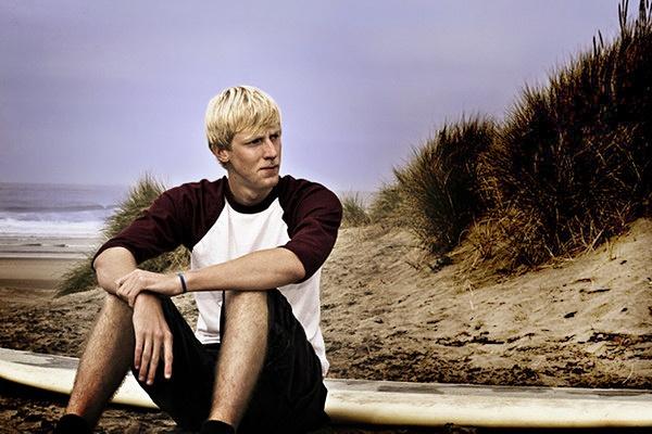Surfer by bricjen