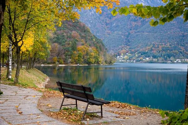 Autumno a Lago di Ledro by sospan