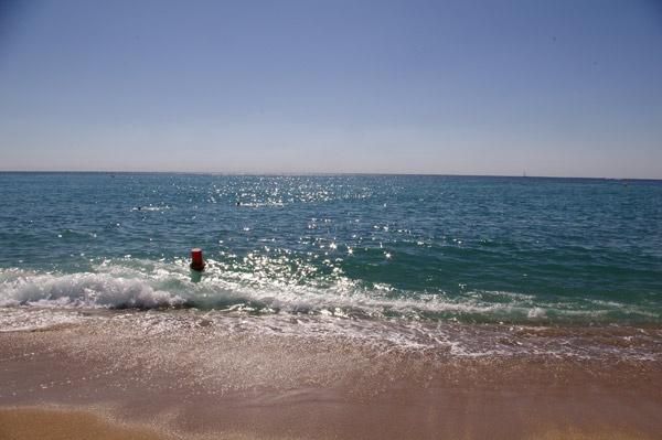 Malgrat Beach by russsherwood
