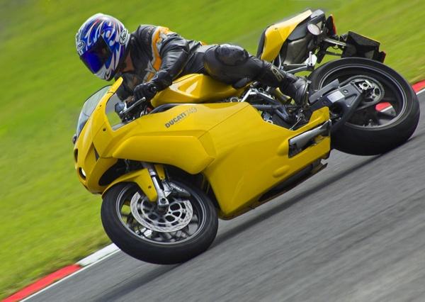 Ducati 749 - Brands Hatch 2 by EPZSam