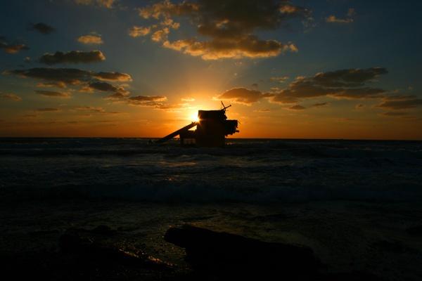 Shipwreck Sunset by paddyf