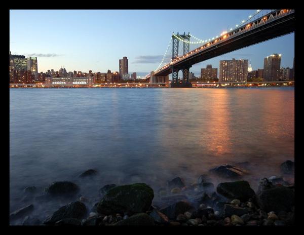 Manhattan bridge by Strobe