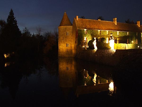 Chateau le Villiers-de-Mahieu by mark.kavanagh