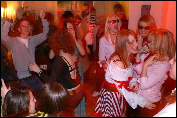 Party by deskmonkey