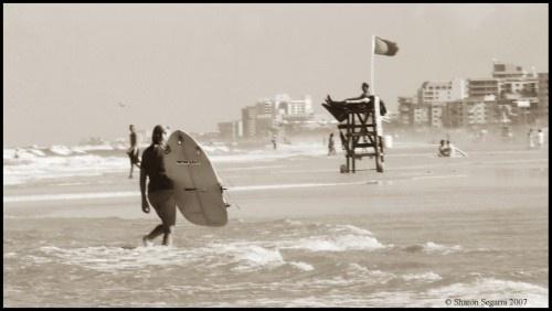 Surf days by romelyanielsharon