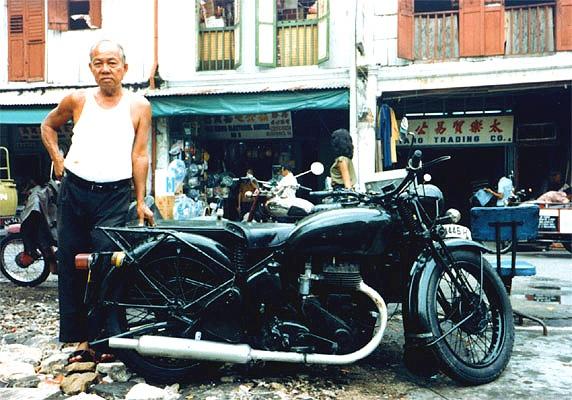 Thieves Market, Singapore by dsafari