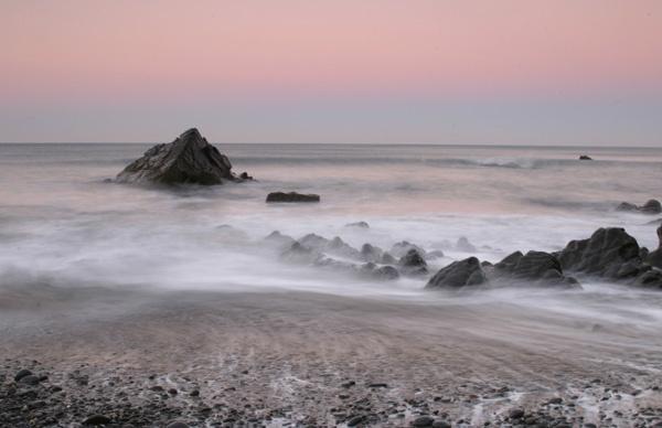 Sandymouth Bay by vickyh