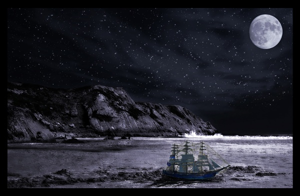 One little ship by Photogene