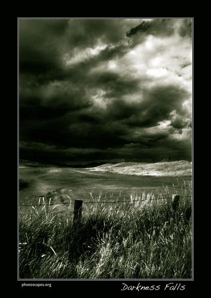 Darkness Falls by graeme34