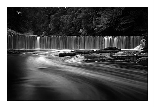 Cramond Waterfall by gemeit