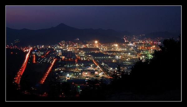 Shipyard at night by rah