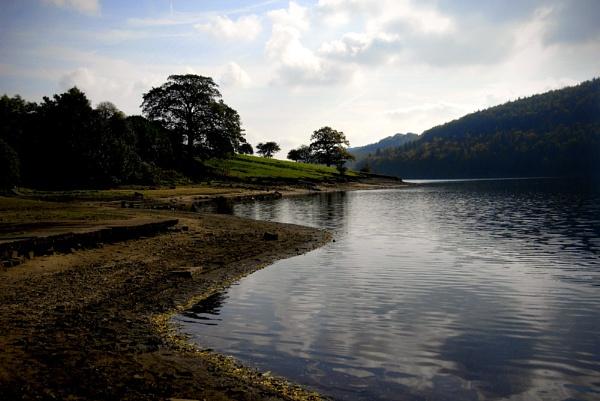 Ladybower Reservoir Derbyshire by acbeat