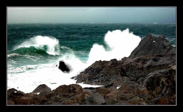Heavy seas by clo99