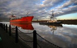 Ship Canal traffic...