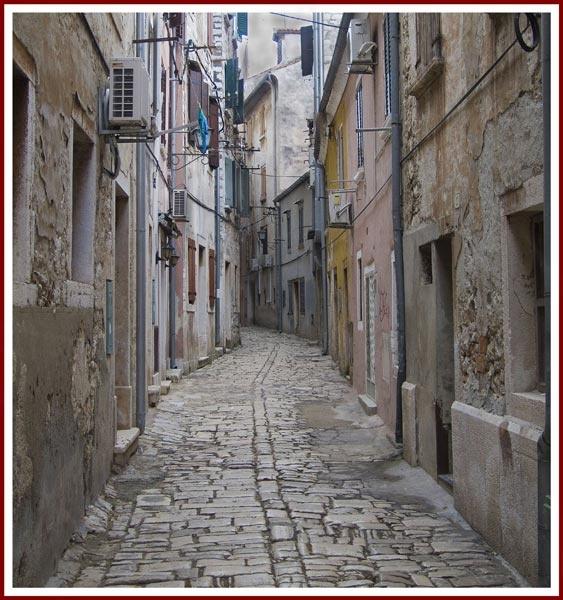 Backstreet.jpg by Roly