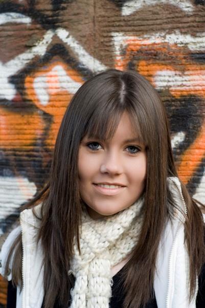 Graffiti Girl by CraigF