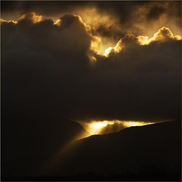 Sunrise Behind Tryfan by Goggz