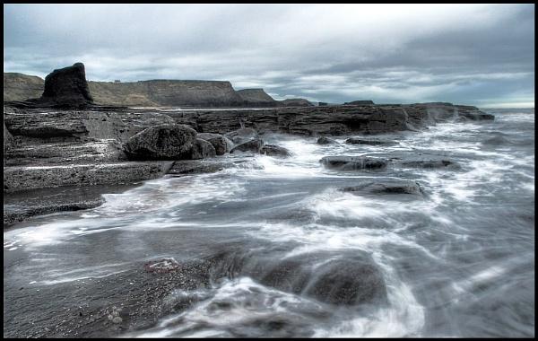 Saltwick Bay by MikeH