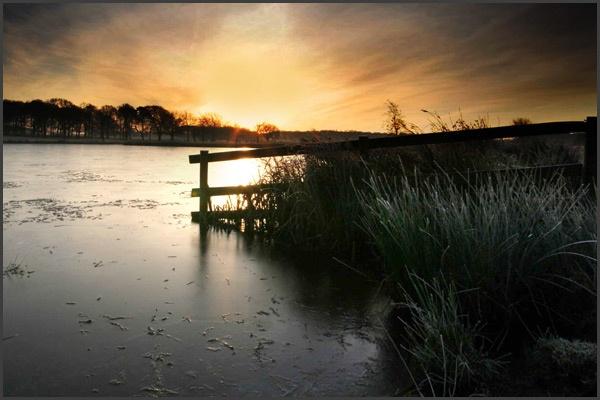 Winter dawn by simonjr