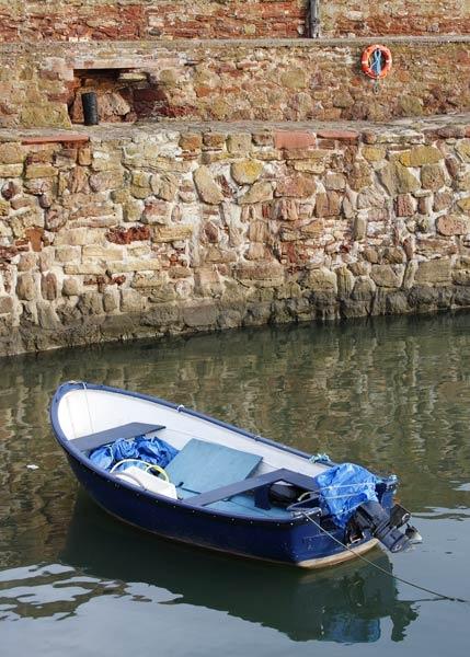 Dunbar Old Harbour by albyn