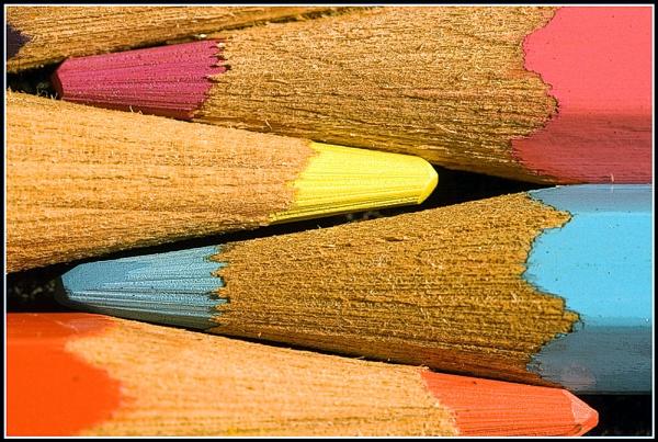 Rough Crayon by Squirrel