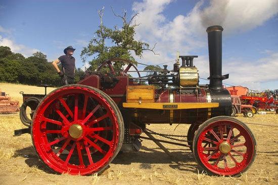 steam engine by peterhookwilde