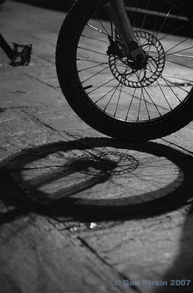 Wheel shadow by minitrialer