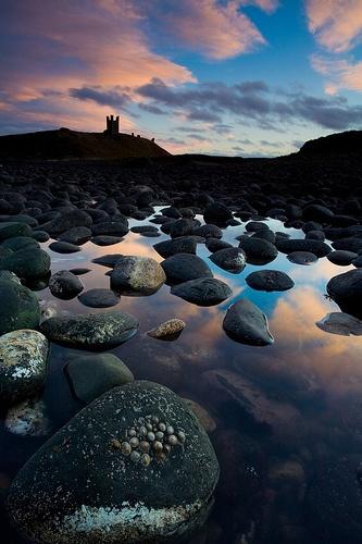 Dunstanburgh Castle by paularthur