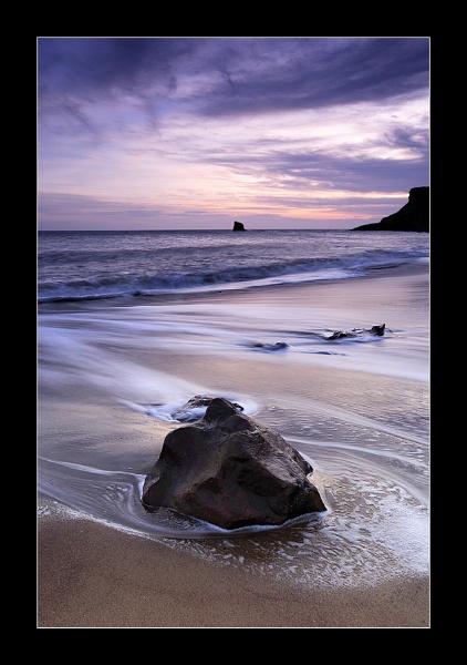 Saltwick Bay by pfheyes