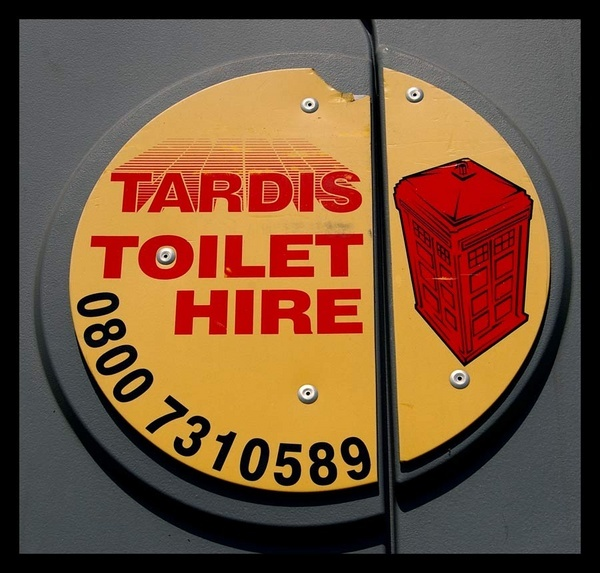 Dr Who\'s Port-A-Potty by ink_weaver