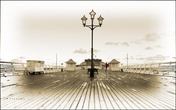 Cromer Pier by baldsparky