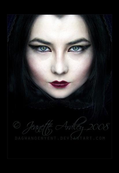 Vampire by Eruraina
