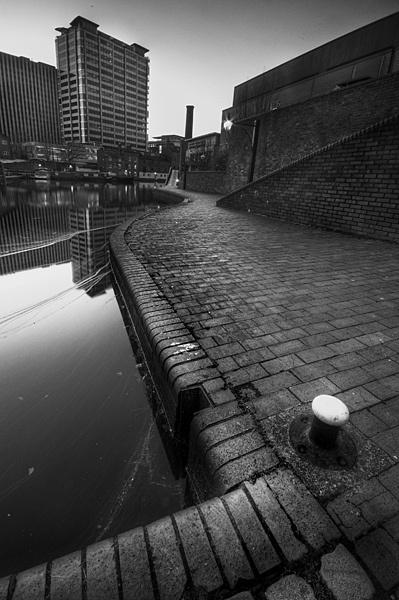 Urban Canal by dandeakin