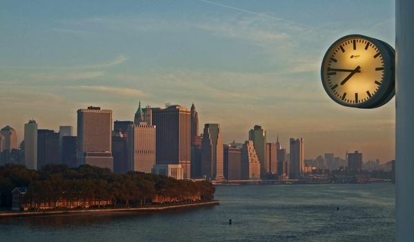 7.46am Manhattan by Gillspam