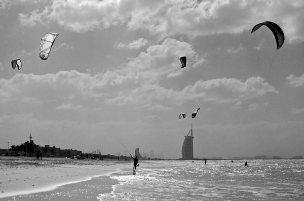 Kite surfing by clevercloggs