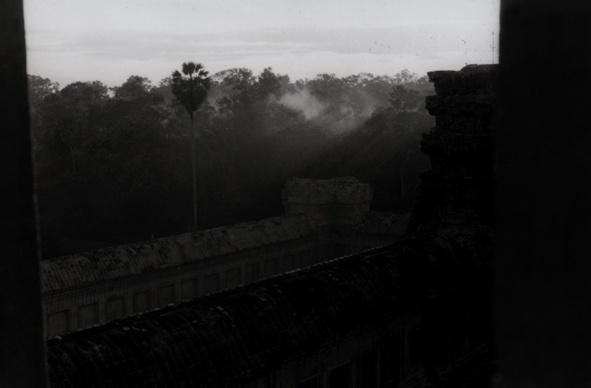 Sun rise at Angkor Wat by allanski