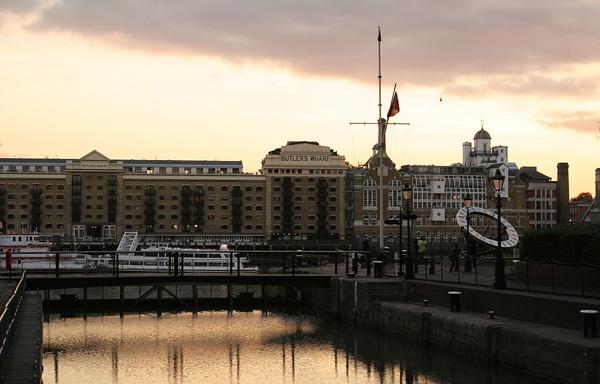 Butler\'s Wharf by rowarrior