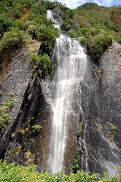 NZ waterfall by possumhead