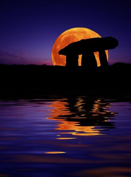 Harvest Moon by renavatio