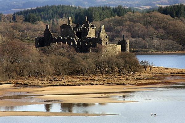 Kilchurn castle by Mikebr