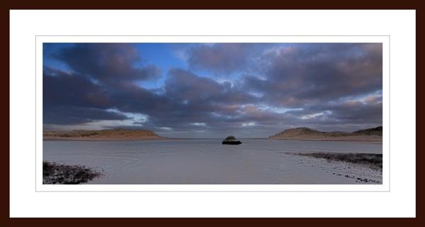 NEWBURGH - YTHAN MEETS THE SEA by JASPERIMAGE