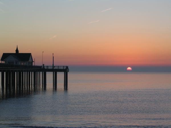 Sun rise by Adam_H