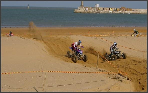 Sand Plume by rninnim